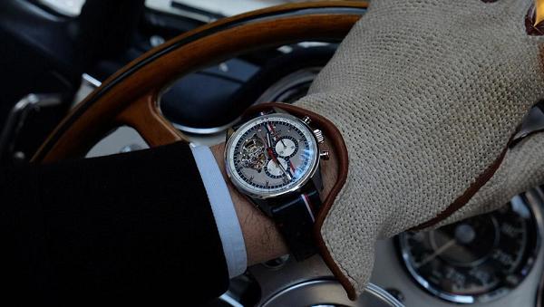 Zenith El Primero Chronomaster 1969 Tour Auto: l'orologio ufficiale dell'evento francese.