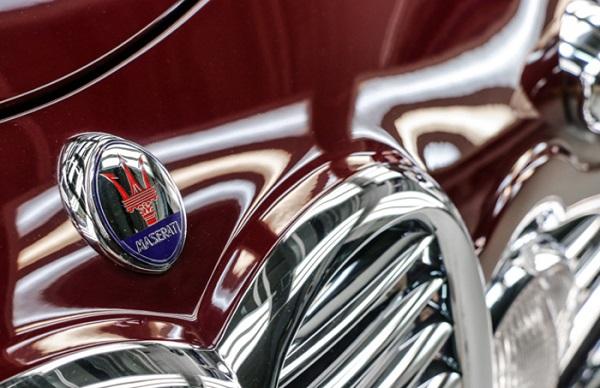 Touring Superleggera fa rivivere 2 gioielli di design italiano.