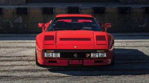 Una Ferrari 288 GTO all'asta di Amelia Island.