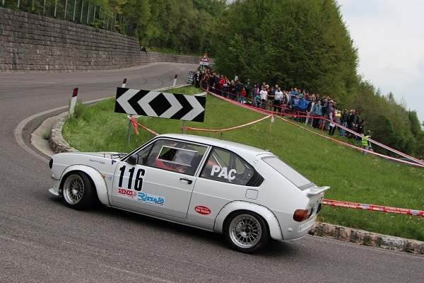17 equipaggi della Squadra Corse Isola Vicentina al Valsugana Historic Rally.