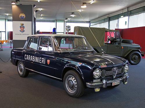 Consegna dell'Alfa Romeo Nuova Giulia Quadrifoglio all'Arma dei Carabinieri.