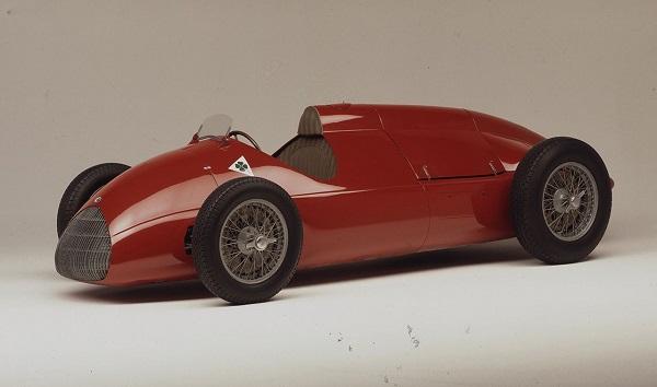 """Alfa Romeo presenta a Madrid il """"Museo delle emozioni""""."""