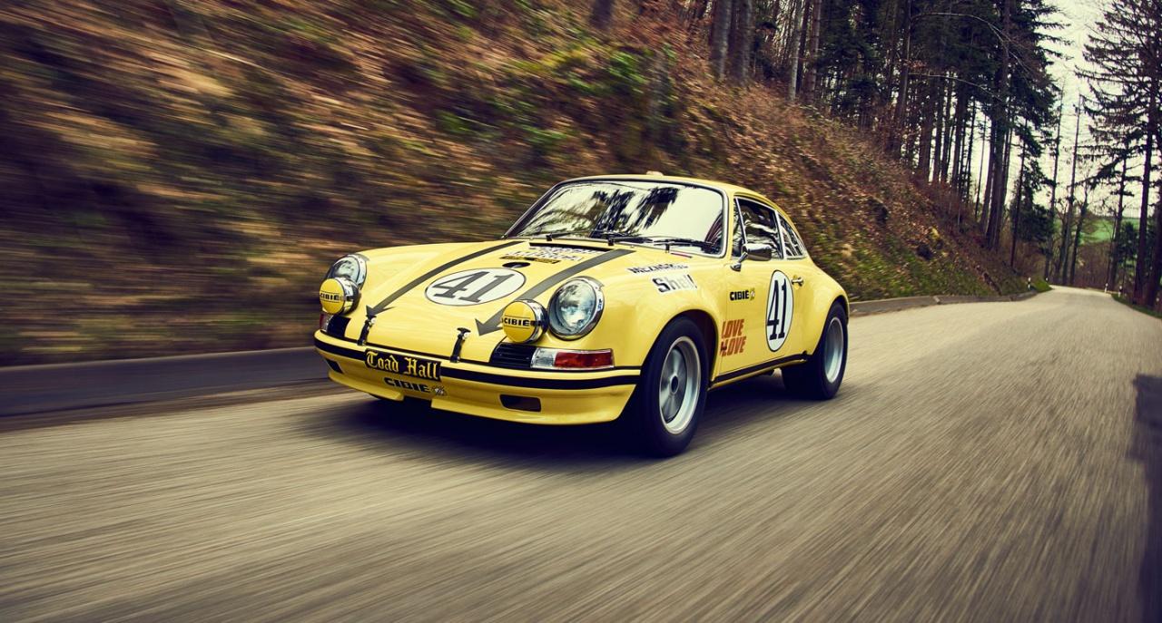 Una Porsche da gara restaurata ufficialmente.