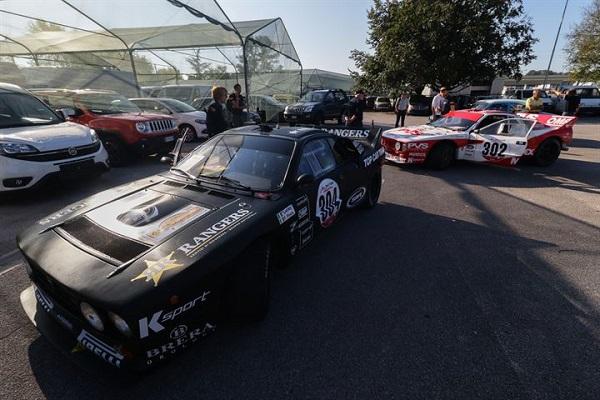 21° Rally delle Alpi Orientali Historic: i 58 equipaggi iniziano le verifiche.
