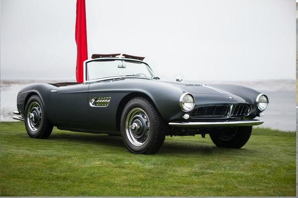 BMW: mostra sui 100 anni di performance in America.