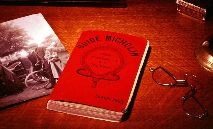 All'asta collezione Guide Rosse Michelin sulla Francia dal 1900 al 2016.