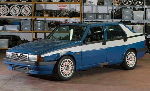 L'Alfa 75 da Corsa della Polizia di Stato all'asta Duemilaruote.