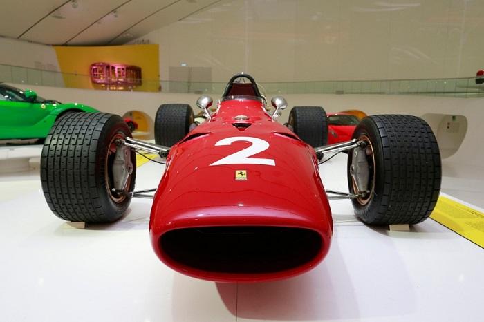 """Mostra """"Driving with the Stars"""" al Museo Enzo Ferrari di Modena."""