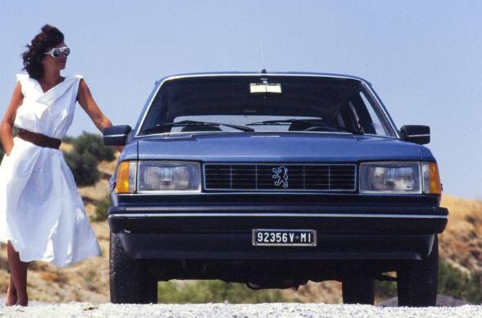 Compie 40 anni la Peugeot 305.