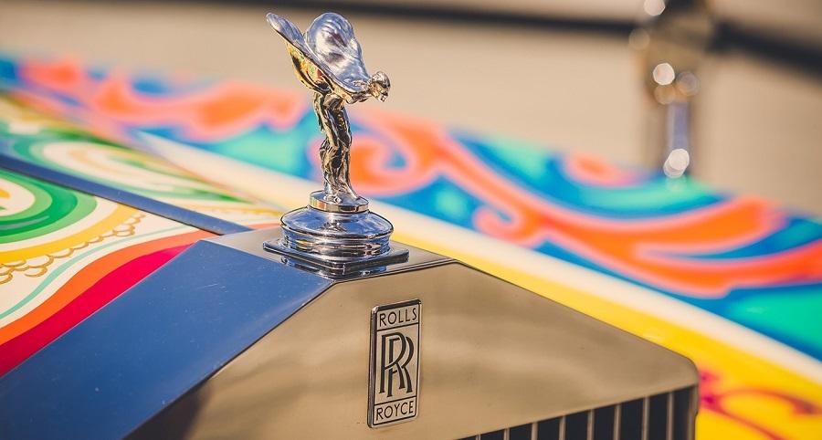 La Rolls-Royce di John Lennon si presta a festeggiare la nuova versione.