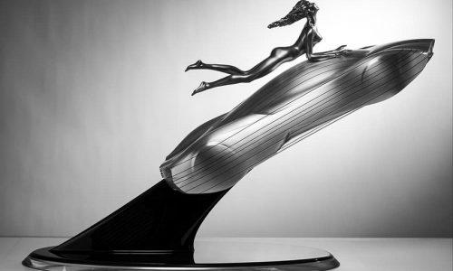 Lollobrigida e Pagani insieme per una scultura da dreamcar.