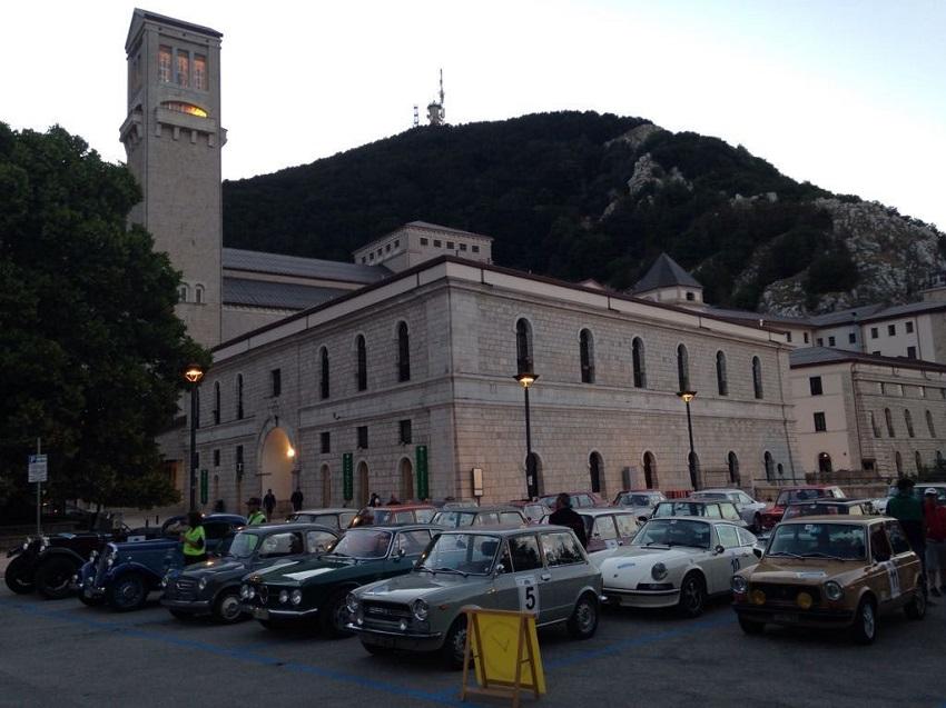 La Fiat 600 Abarth di Fortin e Pilè svettano alla Millecurve.
