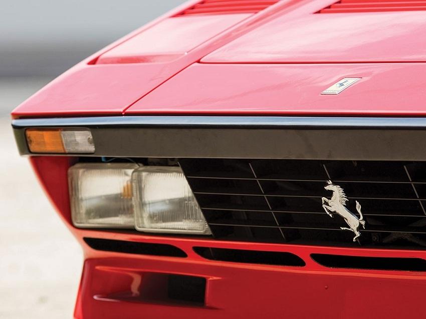 """Un'iconica Ferrari all'asta """"Passione e Leggenda""""."""