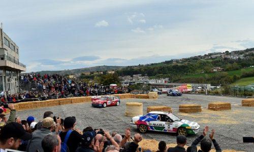 Rally + Leggenda (auto-piloti-pubblico) = Rallylegend.