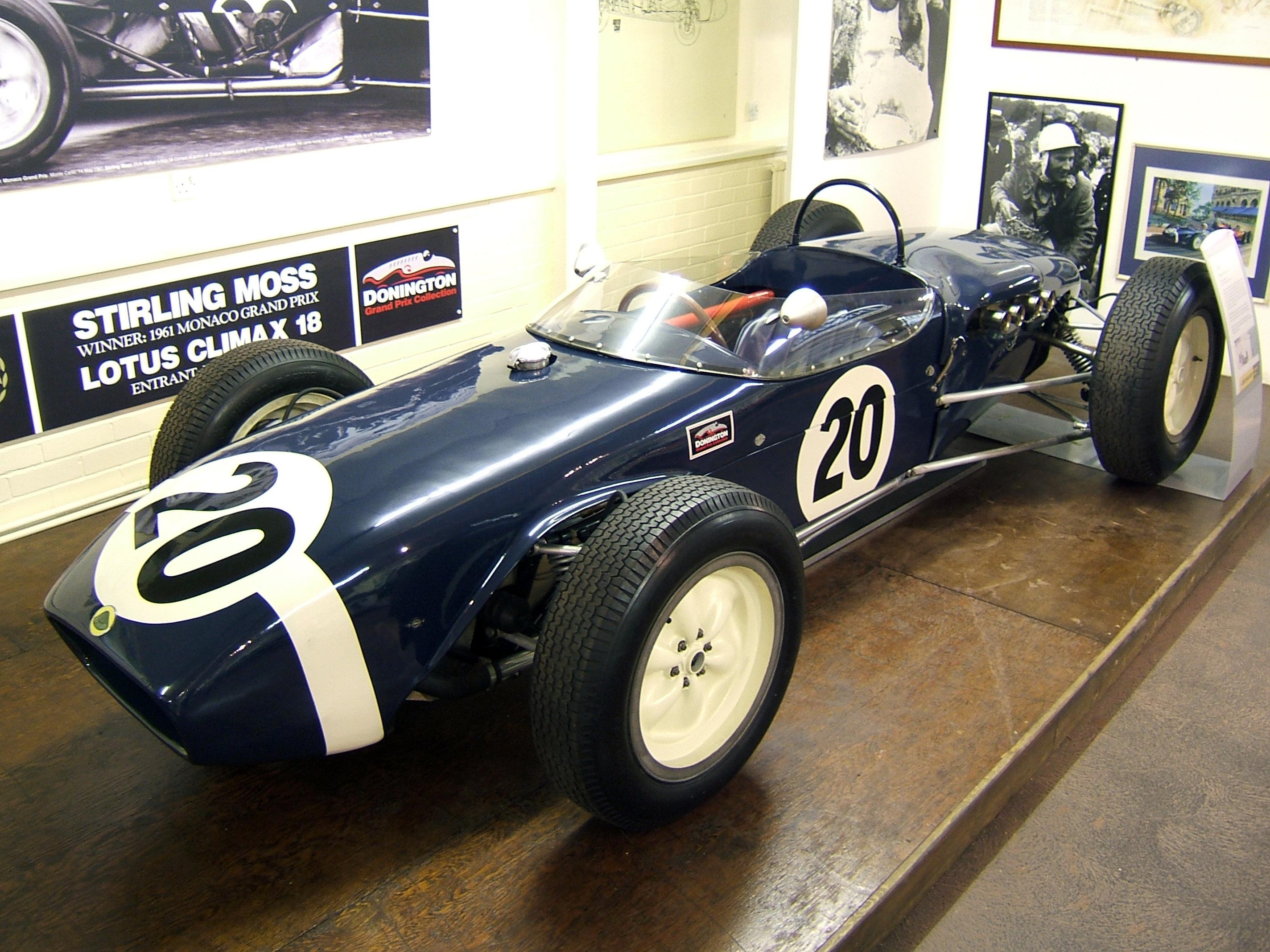 Un libro sulla mitica Lotus 18 di Sir Stirling Moss.