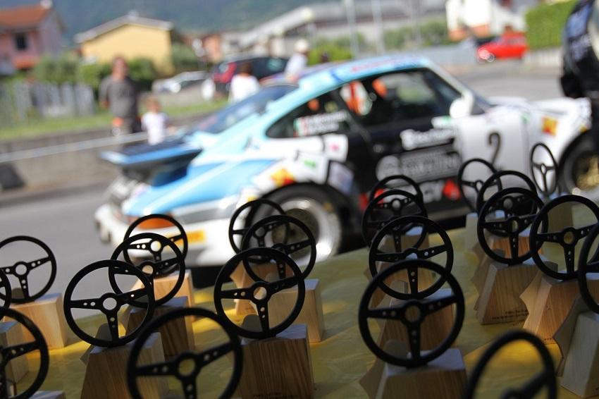 La 1^ Coppa Ville Lucchesi è a favore di una Porsche.