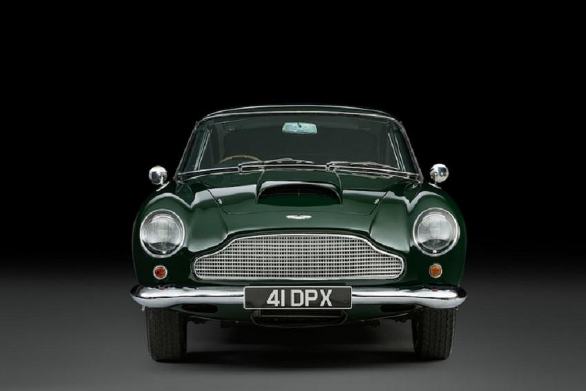 L'Aston Martin DB4GT di Peter Sellers in passerella a Londra.