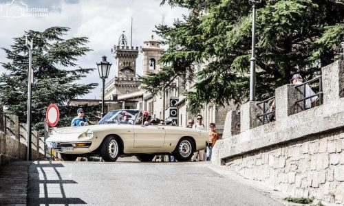 Belle auto d'epoca al Giro dei Castelli di San Marino.