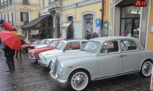 """Si è svolta la manifestazione dell'Old Motors Club d'Abruzzo: la """"Coppa di Natale""""."""