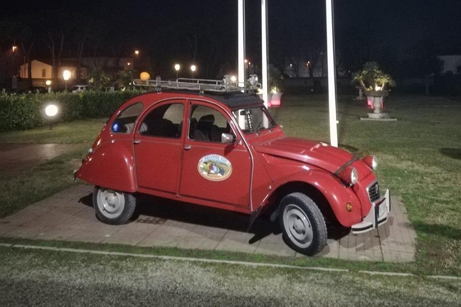"""""""L'Africa vissuta in auto"""": buona la prima per Officina Classica."""