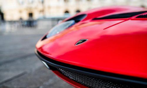 Una Lamborghini Miura speciale al salone Retromobile.