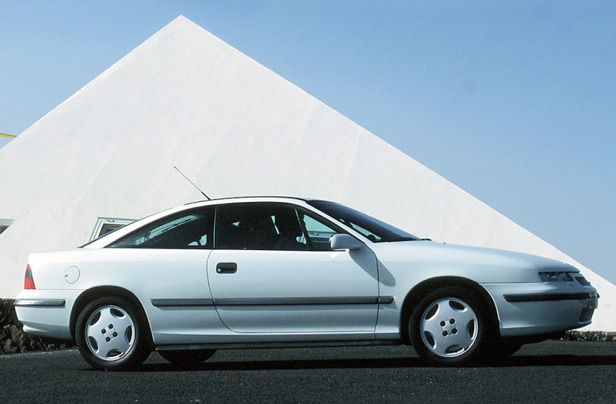 Opel Calibra, 30 anni nasceva la coupè dall'animo sportivo.