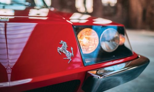 La Ferrari 330 GTC Zagato del 1967 all'asta di Villa Erba.