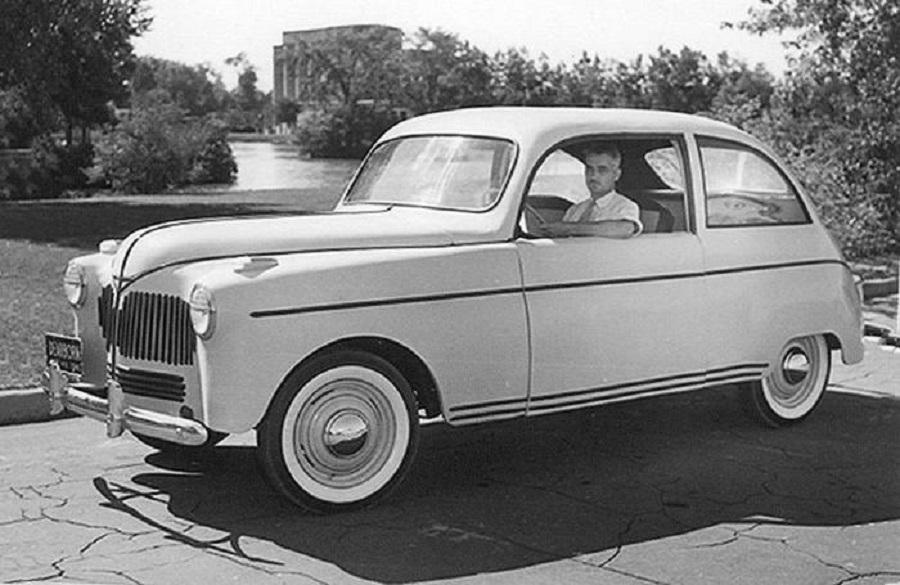 Una strana auto con carrozzeria rinforzata da fibra di cannabis… nel 1941.