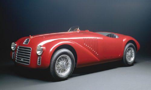 AutoClassica celebra i 90 anni della Ferrari.