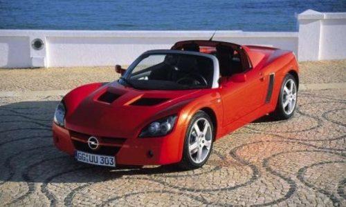 Opel, ventuno anni fa il prototipo della Speedster.