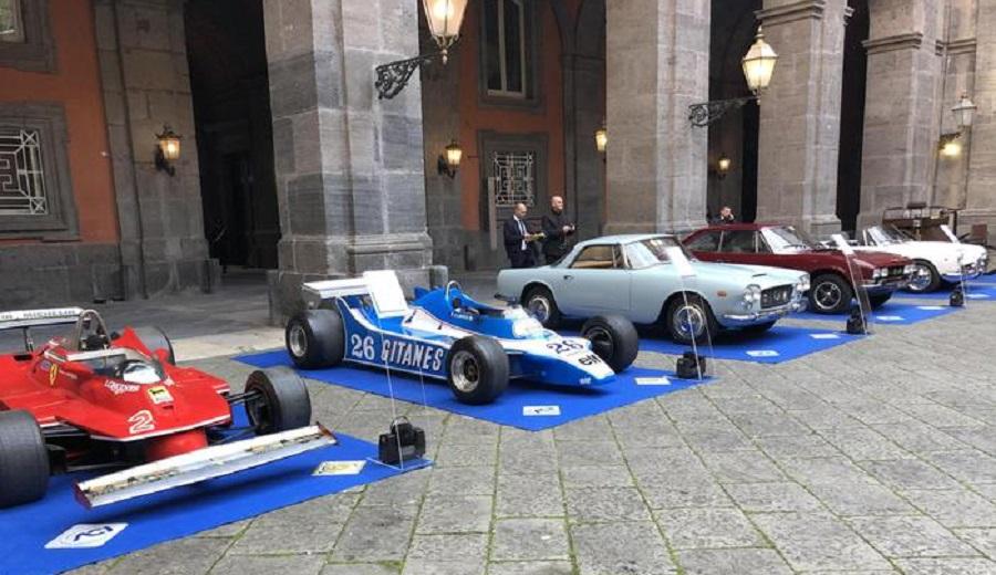 Mostra d'auto d'epoca a Napoli allestita da Aci e Mauto