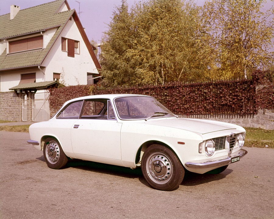 "Alfa Romeo vince due premi ai ""Motor Klassik Awards""."