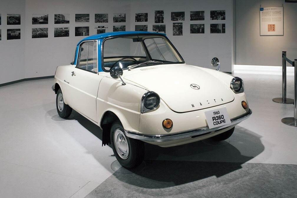 Mazda R360, quasi 60 anni per la prima auto della casa.