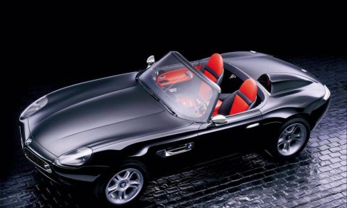 Bmw Z8, venti anni fa debuttava la roadster di James Bond.