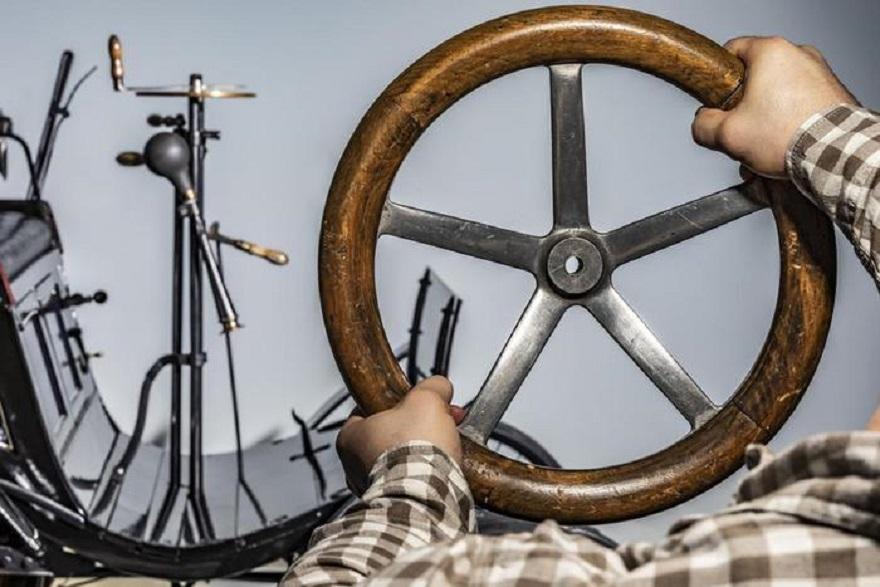 Vecchio indispensabile volante, quasi lo stesso da 126 anni.