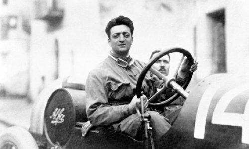 A Firenze un ponte intitolato a Enzo Ferrari.