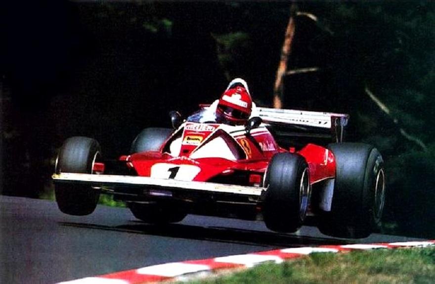 """Un romanzo da leggere tutto d'un fiato: """"Rapiremo Niki Lauda""""."""