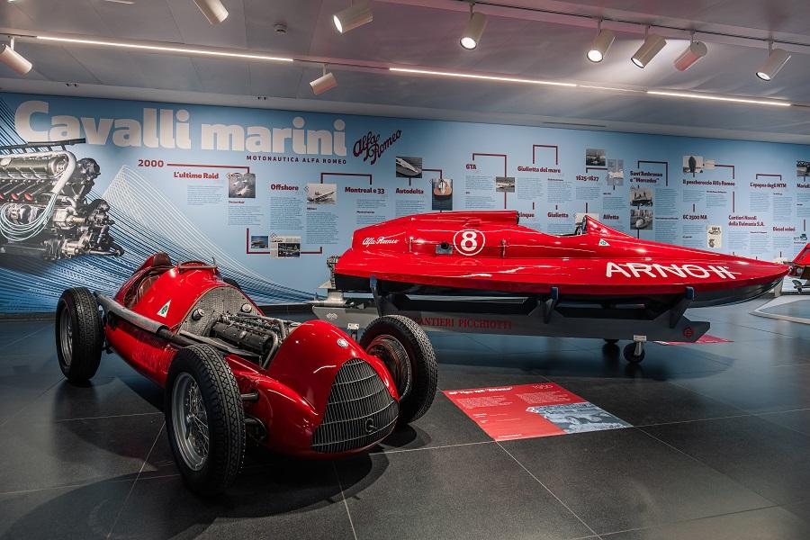 """Cavalli marini"", la motonautica Alfa Romeo in mostra."
