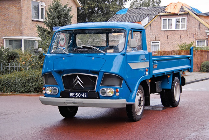 Citroën Type 350, storia di successo del furgone 'Belfagor'.