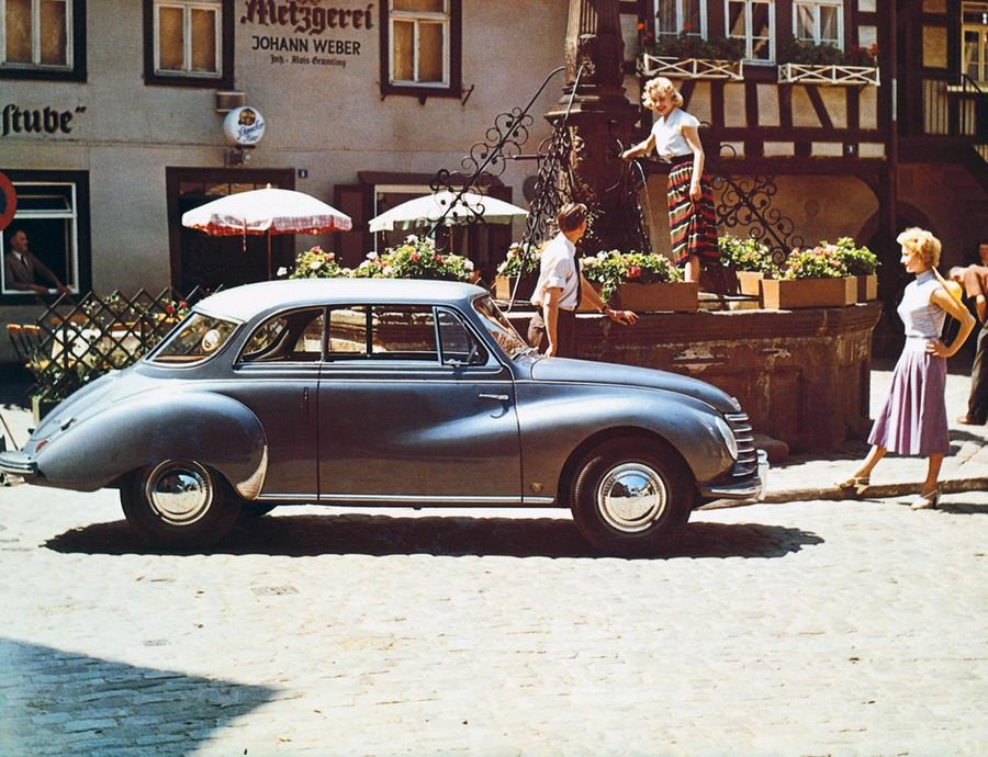 Audi celebrano 90 anni di DKW F1, 30 di Audi Cabriolet e 25 di A3.