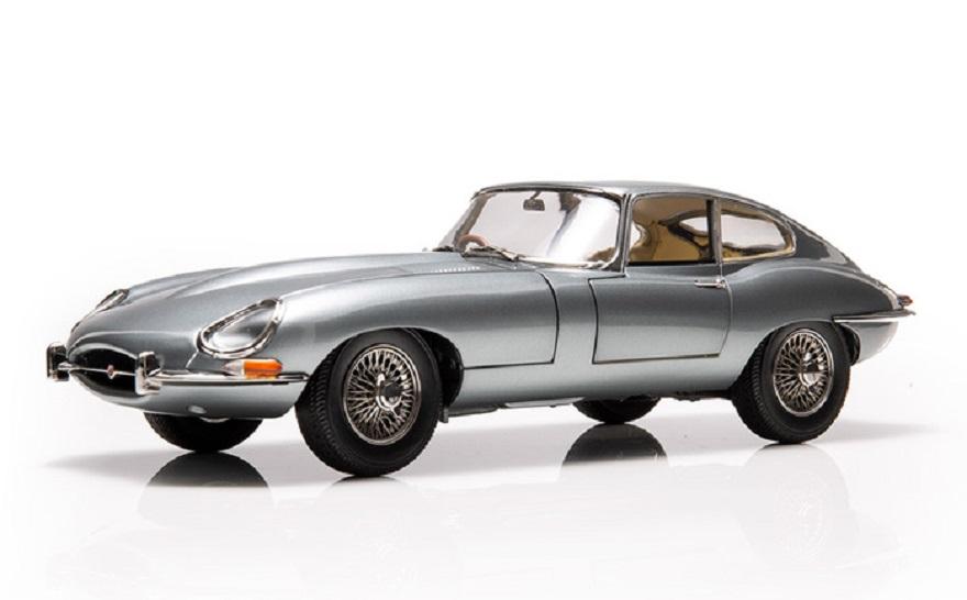 Jaguar crea gamma oggetti per celebrare 60 anni della E-type.