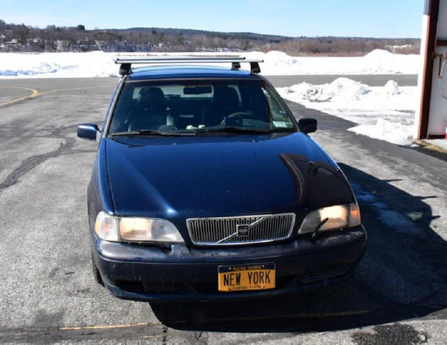 Una Volvo V70 usata un po' costosa.