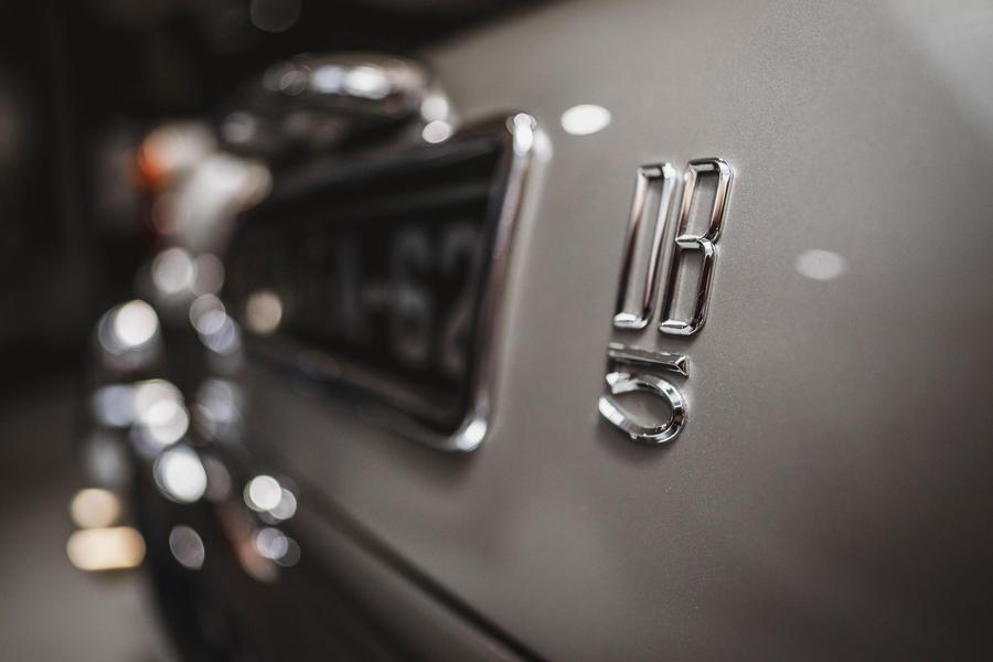 Aston Martin DB5, 'Goldfinger Continuation' nel segno di 007.