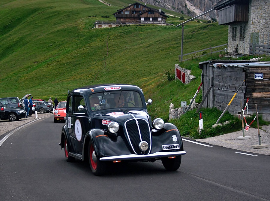 Coppa d'Oro delle Dolomiti 2021, premiati Passanante-Moretti, il concorso di eleganza va alla Lancia Lambda del 1929.