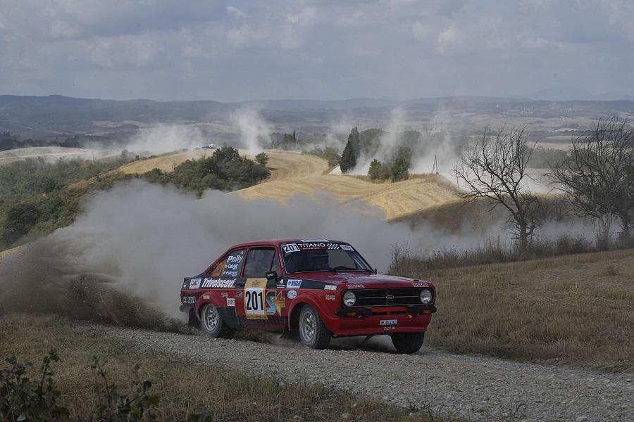 La Escort TC2000 di Pelliccioni – Gabrielli vincono il Rally Storico di Arezzo.