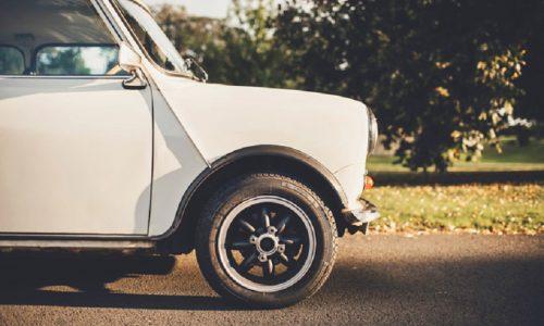 La Pirelli produce il Cinturato per le vecchie Mini.