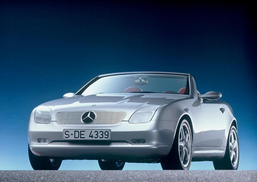 Mercedes-Benz SLK, festa per i 25 anni ad Auto e Moto d'Epoca.